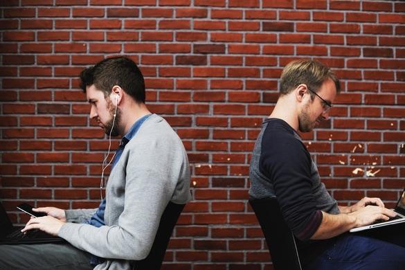 コーダー vs. プログラマー。採用のための見分け方